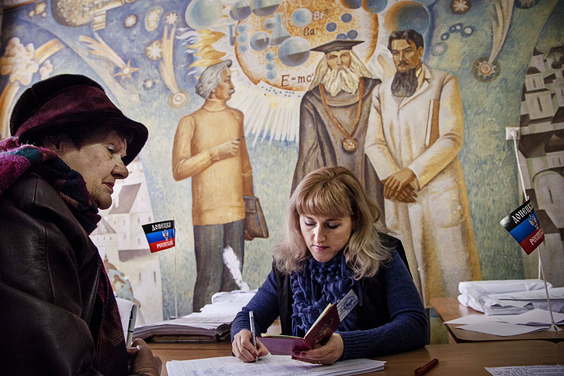 En noviembre se celebraron elecciones con la intención de legitimizar al gobierno de Donetsk