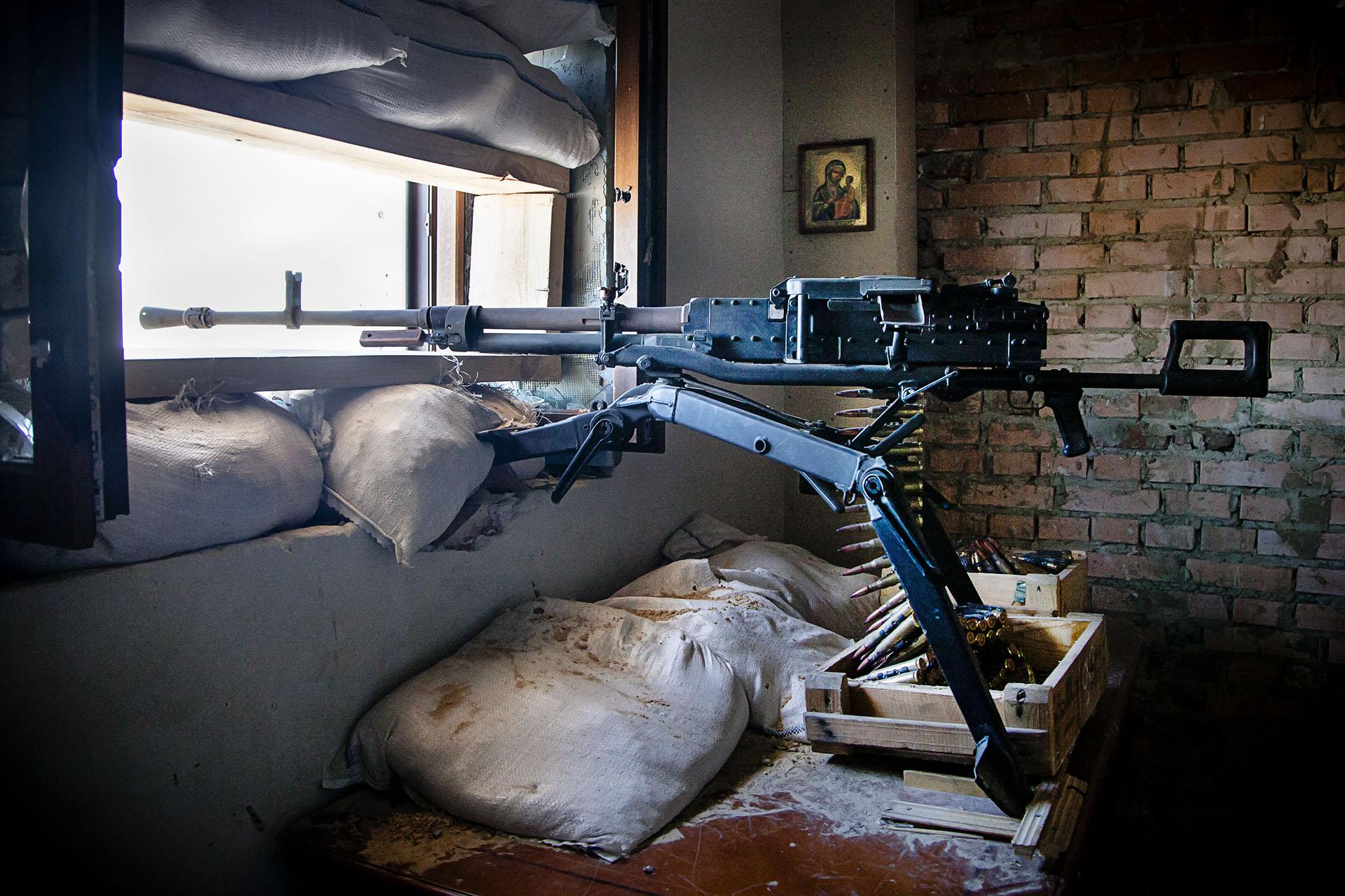 Los soldados de la RPD cuentan con buen armamento, cuyo origen es fuente de controversias