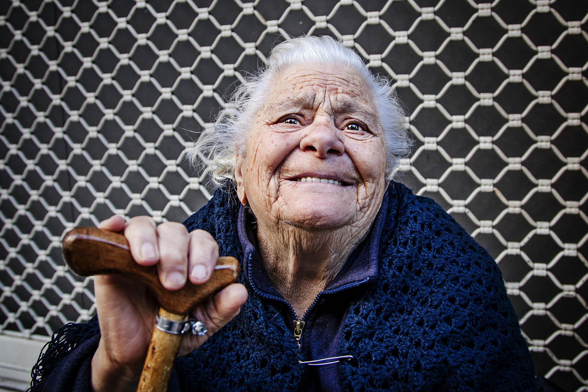 Los jubilados han visto bajar sus pensiones en varias ocasiones, convirtiéndose en uno de los colectivos más vulnerables
