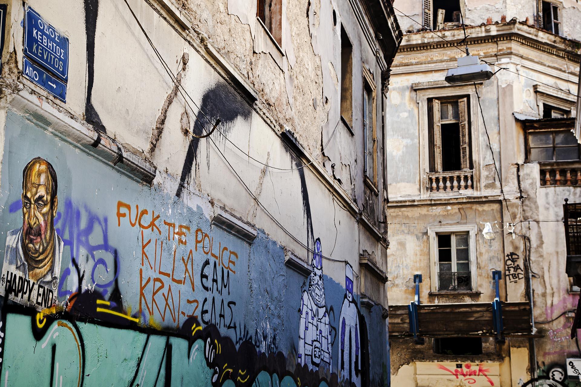 El deterioro en algunos barrios de la capital helena es evidente
