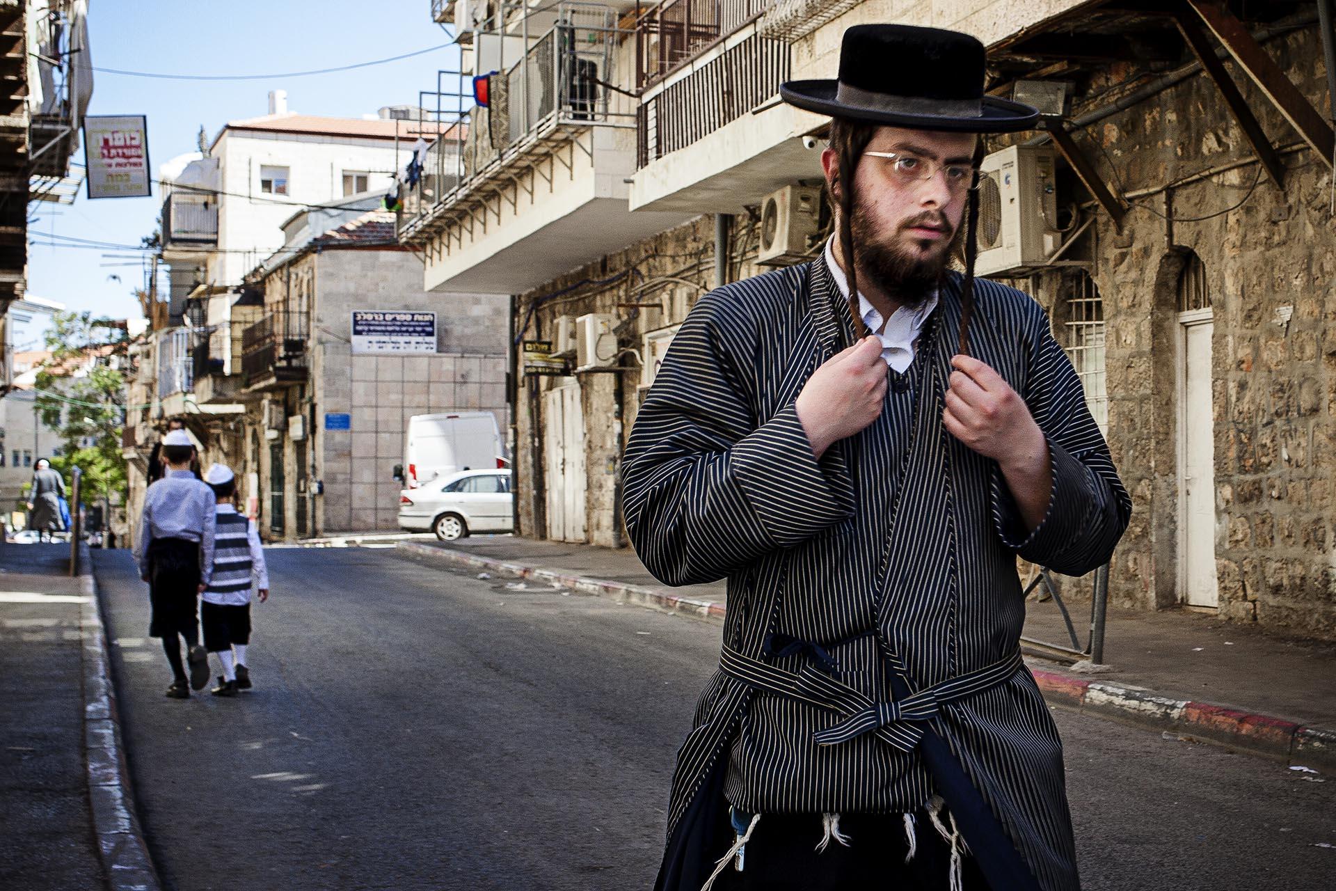 Barrio ultraortodoxo de Mea Shearim, en Jerusalem. Poco después de tomar esta imagen, me invitaban a salir de allí a pedradas.