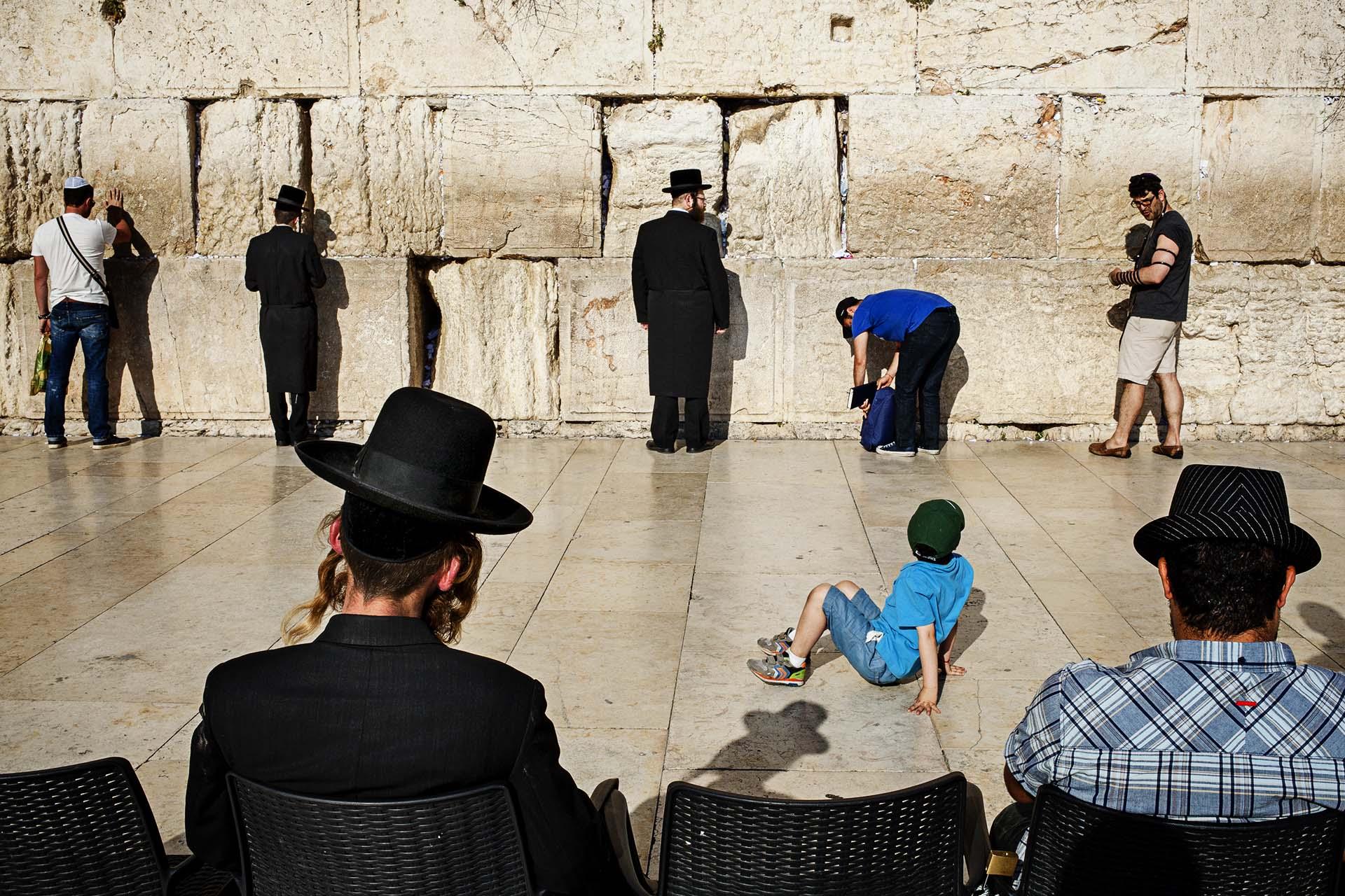 El Muro de las Lamentaciones es el lugar más sagrado para los judíos, y epicentro de las contínuas tensiones étnicas y religiosas en la región