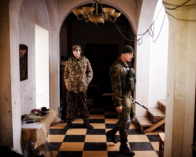 Soldados ucranianos en su base cerca del frente / (Artemovsk).