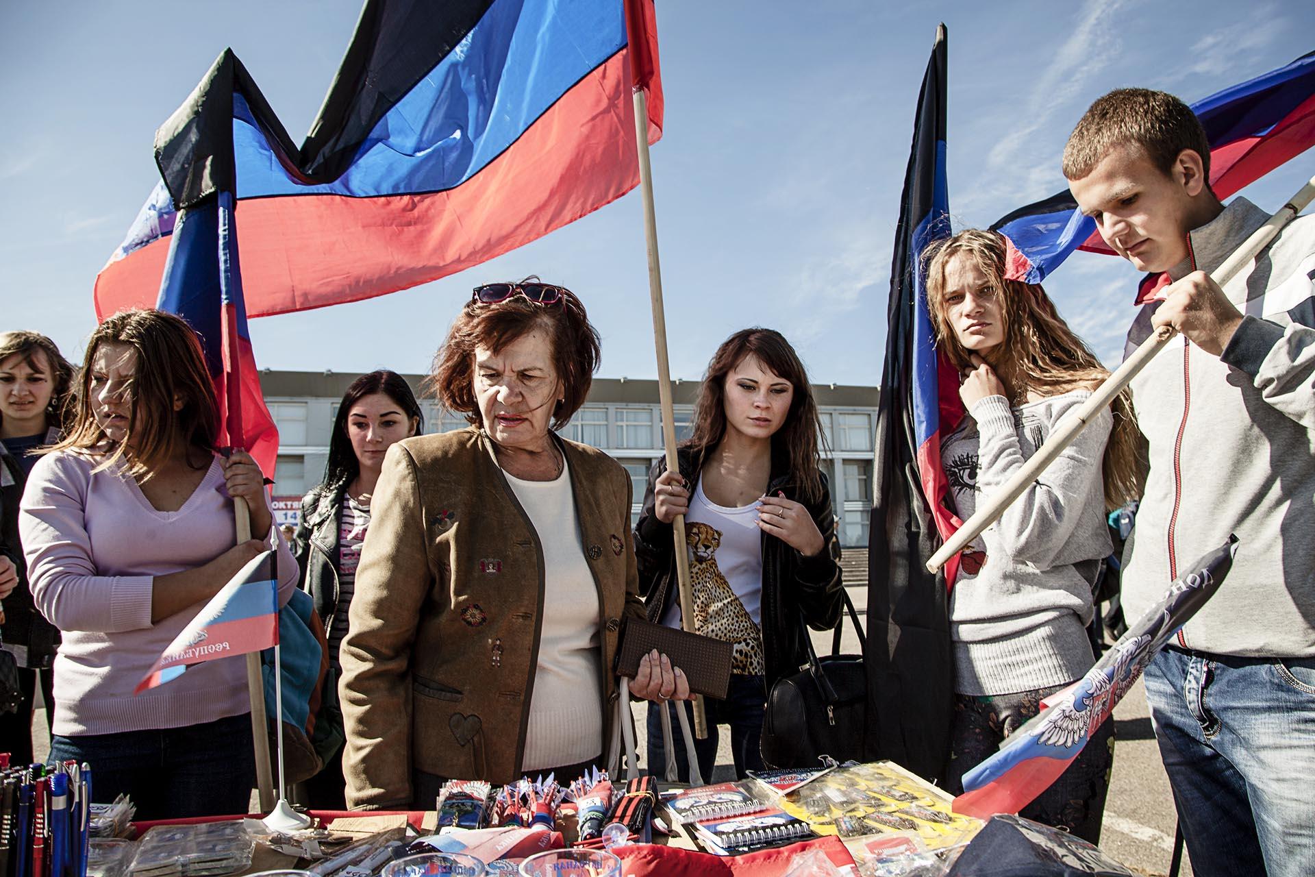 El sentimiento nacionalista es fuerte en gran parte de la población que sigue viviendo en Donetsk...