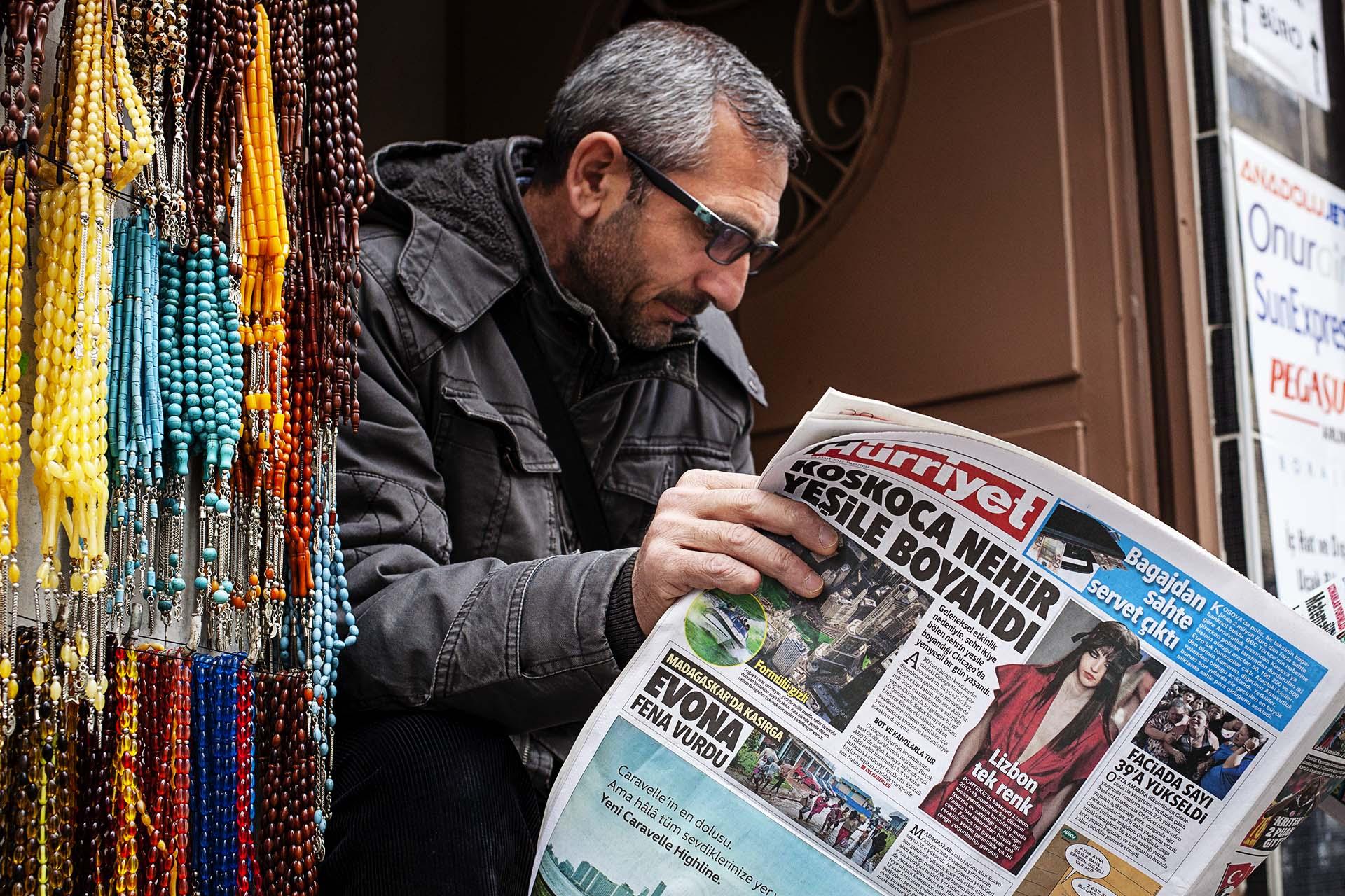 150 medios de comunicación han sido cerrados y 200 periodistas detenidos desde el golpe de estado.